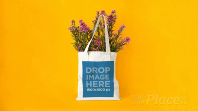 Stop Motion of a Tote Bag With Flowers on a Yellow Room a13666