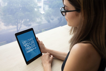 iPad Mockup Featuring a Corporate Businesswoman 22839