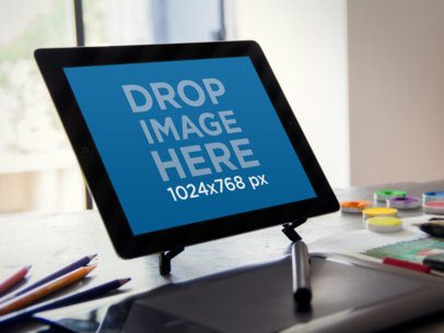 Black iPad Creative Desktop