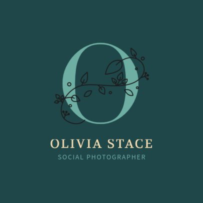 Social Photography Logo Maker Featuring a Stylish Capital Letter 2172c