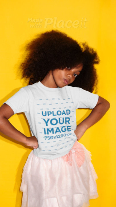 T-Shirt Video of a Girl Posing for the Camera in Stop Motion 23069