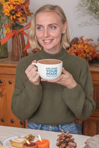 Mockup of a Woman Sipping on Her 24 oz Mug at a Thanksgiving Dinner 29941