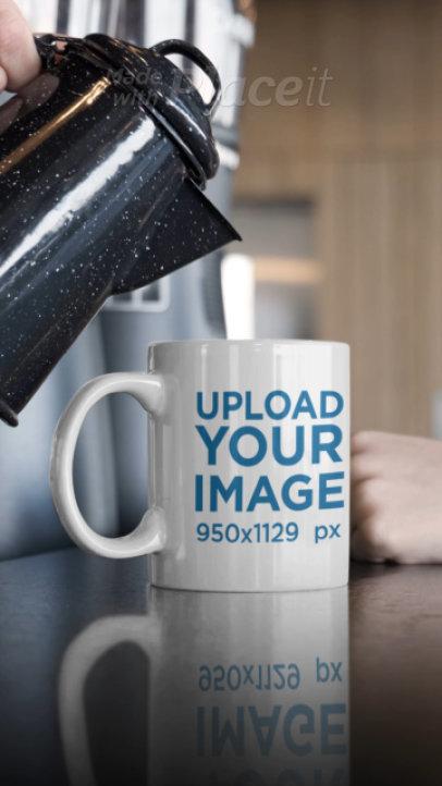 Video of Someone Pouring Coffee Into an 11 oz Mug 31587