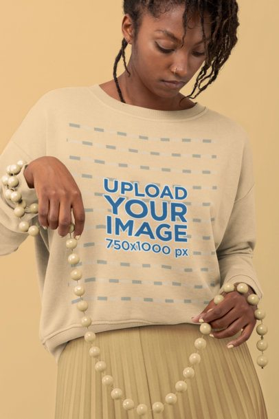 Sweatshirt Mockup of a Woman with a Vintage Look 32799