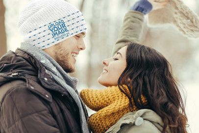 Beanie Mockup of a Man with His Girlfriend 35146-r-el2