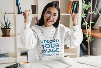 Sweatshirt Mockup Featuring a College Student at Home 39179-r-el2