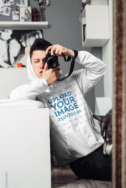 Pullover Hoodie Mockup of a Man Taking a Mirror Selfie 38128-r-el2