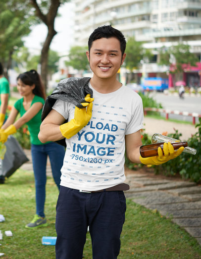 T-Shirt Mockup Featuring a Man Doing Voluntary Work 43265-r-el2