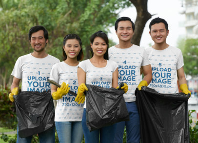 Mockup of a Group of Friends Wearing T-Shirts While Cleaning a Park 43266-r-el2